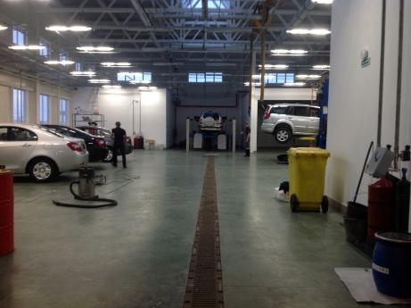примеры работ DOKAPOL пол в сервисном центре автосалона